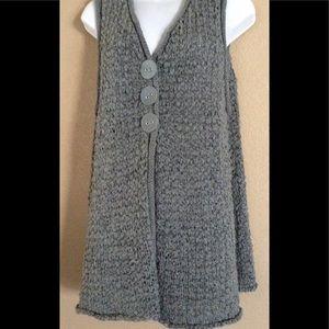 Habitat XL Chunky Knit Sweater Vest Detail Buttons